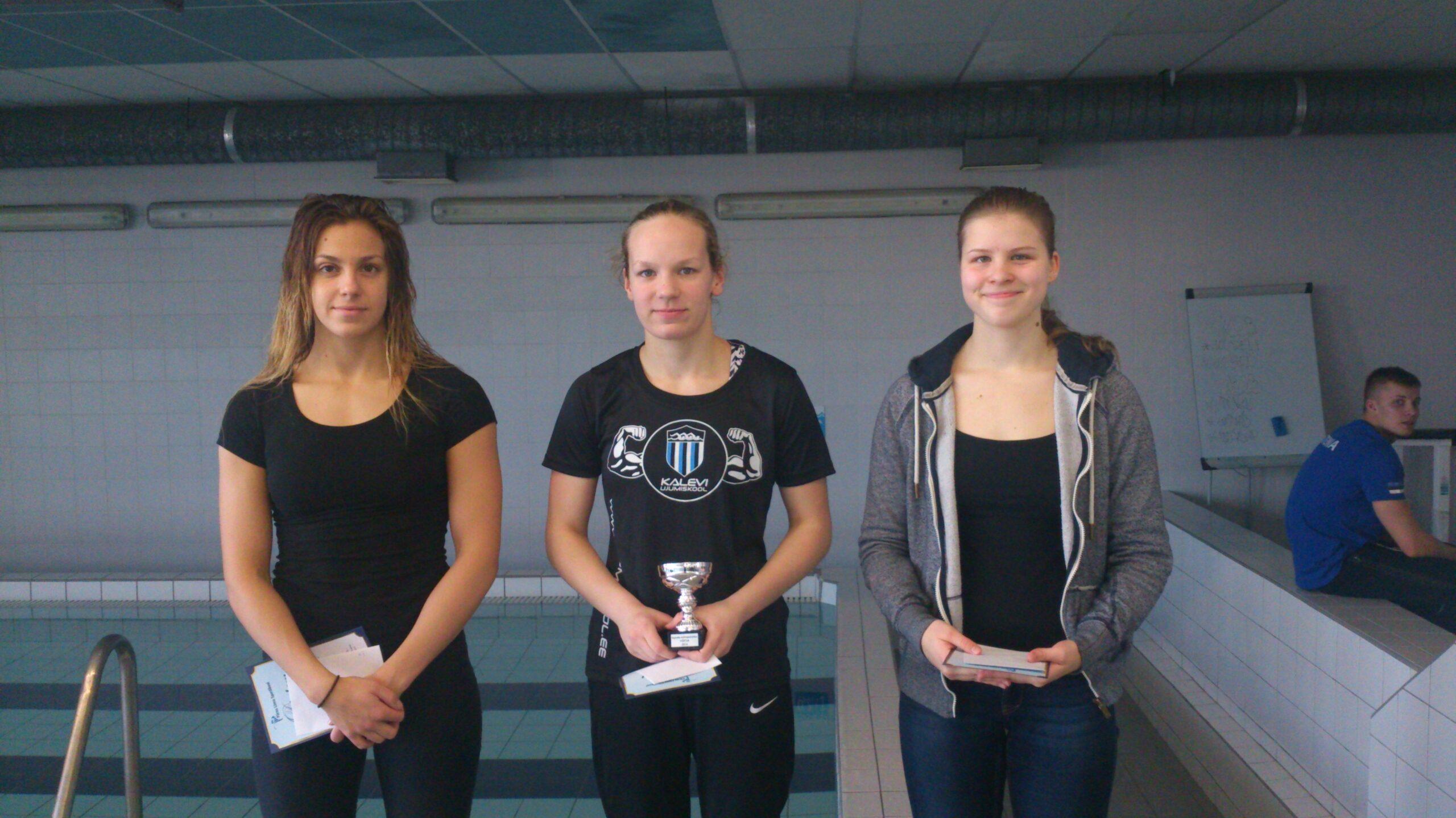 Ujumiskooli õpilased poodiumil üle kogu Eesti