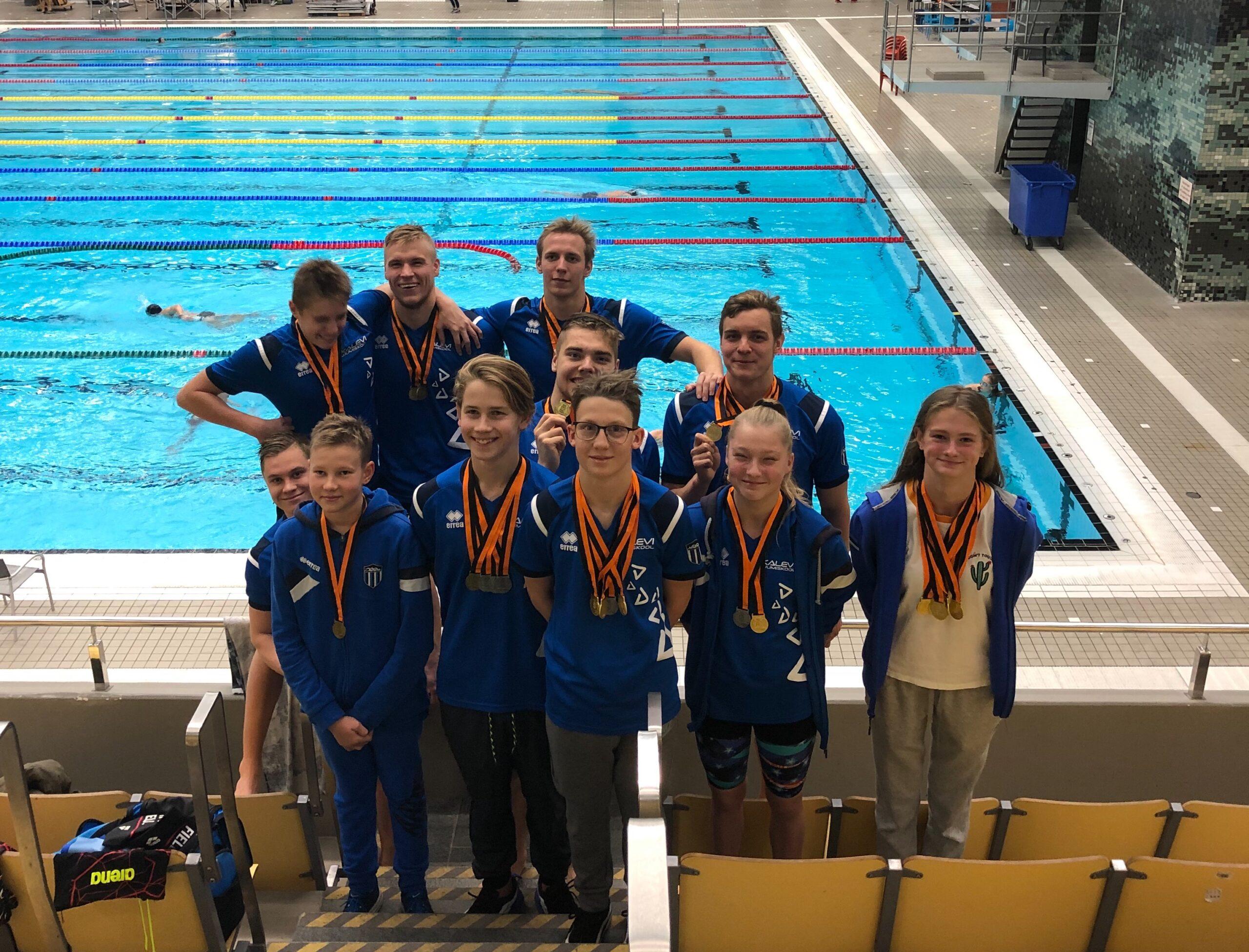 43 MEDALIT! Korralik medalisadu ligi 1000 ujujaga võistlusel Stockholmis