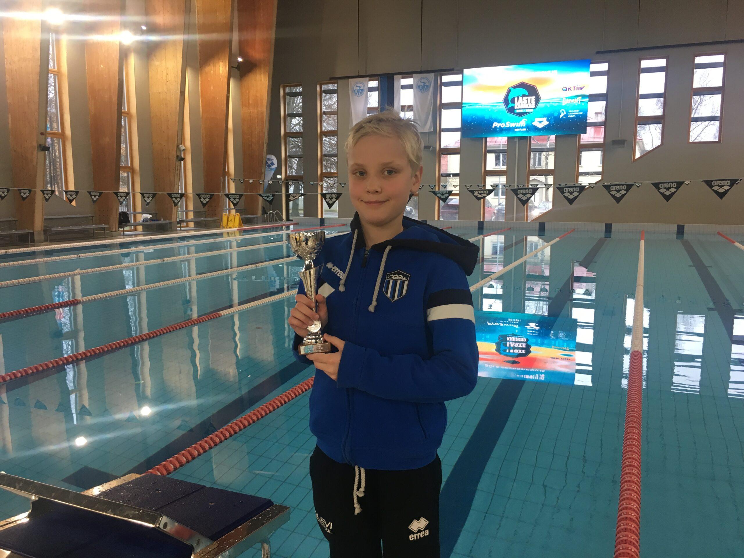 """MEDALISADU! Ujumiskooli noored teenisid võistlussarja """"Laste Karikas"""" II etapil rekordilise medalisaagi"""