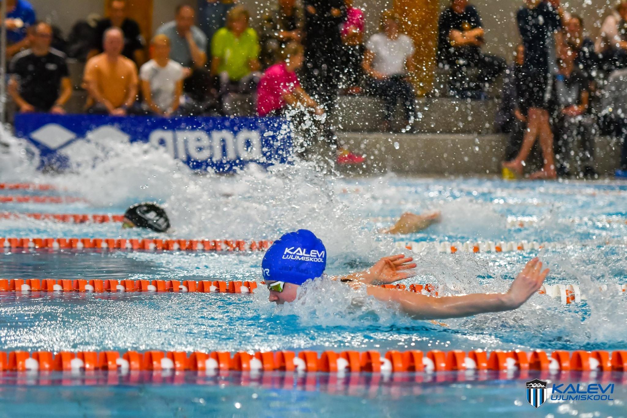 Jefimova alustas kolme Eesti vanuseklassi rekordiga, Ujumiskoolile avapäeval 14 medalit